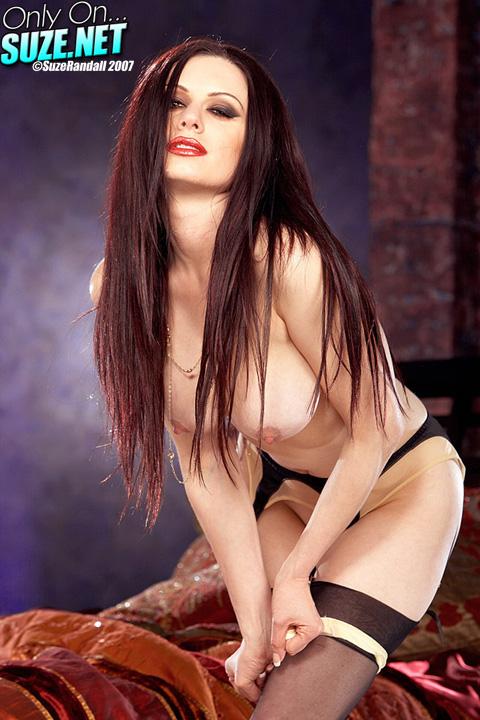 darenzia naked